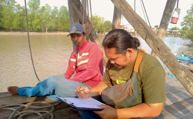 fisheries management research Indonesia survey