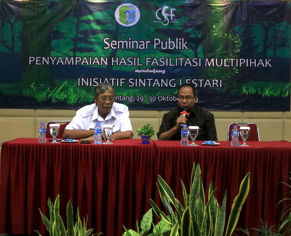 Sintang's Regent Jarot Winarno and CSF-Indonesia Director Mubariq Ahmad at the seminar